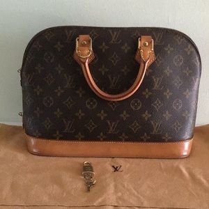 Authentic Alma Monogram PM Louis  Vuitton Sactchel